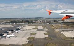 Dcollage Paris Roissy CDG : Terminal 2F (Maillekeule) Tags: paris window plane airport aircraft flight off terminal take vol aeroport roissy cdg hublot decollage