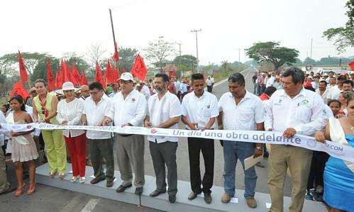 El gobernador, Javier Duarte de Ochoa, inauguró reconstrucción del circuito Los Naranjos – Tierra Blanca