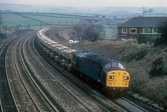English Electric Type 4 - 40133 (dgh2222) Tags: train derbyshire rail class british 40 freight wagons aggregate chinley 40133
