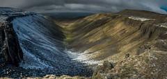 High Cup Nick (JJFET) Tags: cup high nick geology pennines