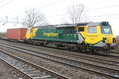 Freightliner 70019 @ Chorlton Lane (uksean13) Tags: train canon cheshire diesel rail railway container crewe freight freightliner ef28135mmf3556isusm 70019 chorltonlane 760d
