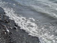 Lago y rocas 2 (imageneslibres) Tags: naturaleza sol lago agua olas rocas piedras celeste espuma marea