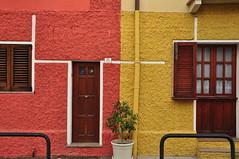 Bicromtic (inami_13) Tags: sardegna street architecture calle arquitectura cities ciudades urbanism carrer cagliari urbanismo cerdea urbanisme ciutats casteddu sardenya sardigna d5000
