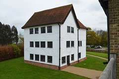 Queen Elizabeth's Hunting Lodge (Matt From London) Tags: tudor halftimbered chingford queenelizabethhuntinglodge