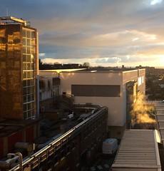 Ysbyty Bron-glais, Aberystwyth (Rhisiart Hincks) Tags: wales buildings hospital square golden cymru aberystwyth ceredigion haul lateafternoon adeiladau ospital kembre heol ysbyty galesherria bronglais achuimrigh prynhawn ospadal sgwâr savadurioù abardaez karrez euraid alaouret