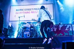 Manic Street Preachers @ Effenaar , Eindhoven (andre schrder) Tags: music netherlands concert nikon live stage gig eindhoven fullframe fx kindamuzik tamron2875 effenaar gigphotography niksoftware d700 nikond700 manicstreetpreacherslive adobephotoshopcs5 andreschrder concertswithnikond700 28042016 everyhingmustgotour