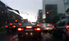 Feierabendverkehr (Andreas Meese) Tags: cars day tag hamburg rainy autos stau ricoh regen wassertropfen hammerbrook rcklichter heidenkampsweg cx3 feierabendverkehr