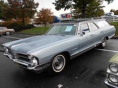 1965 Pontiac Bonneville Safari (splattergraphics) Tags: wagon safari pontiac bonneville carshow stationwagon 1965 unrestored hersheypa antiqueautomobileclubofamerica aacaeasterndivisionfallmeet