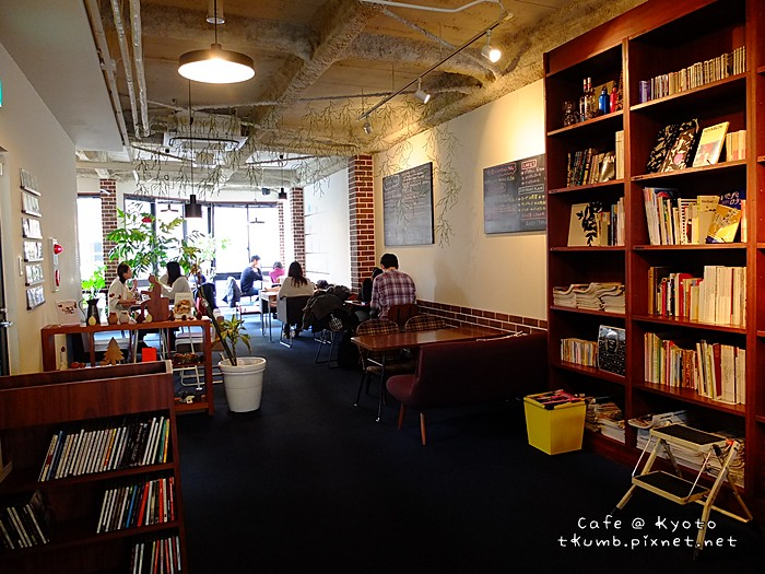 2013TRACTION BOOK CAFE06.jpg