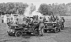 Renforcements Arrive (P.J.S. PHOTOGRAPHY) Tags: show monochrome war weekend ground hdr pickering 2015