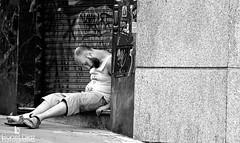 No hay mejor almohada que una conciencia tranquila.../ The best pillow is a clear conscience (Lionel Diaz Fotografa) Tags: madrid espaa white black blanco is y no negro andalucia que best bn pillow clear una hay crdoba mejor conscience the tranquila robado almohada conciencia