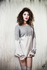 Marjolaine (C.Syl20) Tags: beautiful beauty femme indoor shooting lipstick curlyhair millau modle marjolaine mtisse nikkor5014ais sonya7mkii syl20photographeaveyron