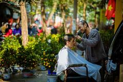 Haircut for Tet | Lm p cui nm (Dino Ngo | +84-936366238) Tags: street haircut streetart dino tet hanoi ngo ni p lm h tt ct tc hanoiesthanoi