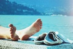 Leaky soles (sirio174 (anche su Lomography)) Tags: como feet pc bare monitor barefoot barefeet piedi piedini piedinudi