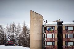Have a cigaret ? (Laurent VALENCIA) Tags: snow france alps building sports montagne canon buildings woods ciel surfers neige foule savoie laplagne matin pistes skieurs frenchalps immeubles sapins glisse 50mpx 5dsr