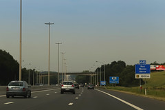 Highway [A15] - Hron (Belgium) (Meteorry) Tags: cars sign highway europe traffic belgium belgique belgi july carrefour mcdonalds autopista freeway autoroute circulation huy luik wanze voitures lige hron autostrada wallonie belge 2015 autosnelweg walloni meteorry wallone rgionwallonne