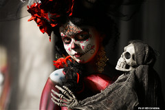 After death has torn us apart (Red Cathedral was at Shankra) Tags: roses halloween skeleton skull graffiti sony eerie bodypaint horror undead bodypainting alpha mardigras diasdelosmuertos f50 redcathedral creepie gavere a850 eventcoverage sonyalpha gafodi aztektv bertverstappen