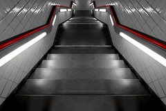 120/366 - Four stations before... (Sinuh Bravo Photography) Tags: light red stairs canon perspective symmetry ubahn tiergarten selectivecolor desaturate ayearinphotos eos7d potd2016