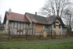 Station building , elazno train station 11.04.2016 (szogun000) Tags: old railroad building station architecture canon decay poland polska rail railway rundown pkp lowersilesia dolnolskie dolnylsk canoneos550d canonefs18135mmf3556is d29322 elazno
