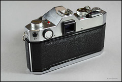 Yashica TL Electro X (03) (Hans Kerensky) Tags: lens 50mm display tl x electro yashica 117 yashinondx