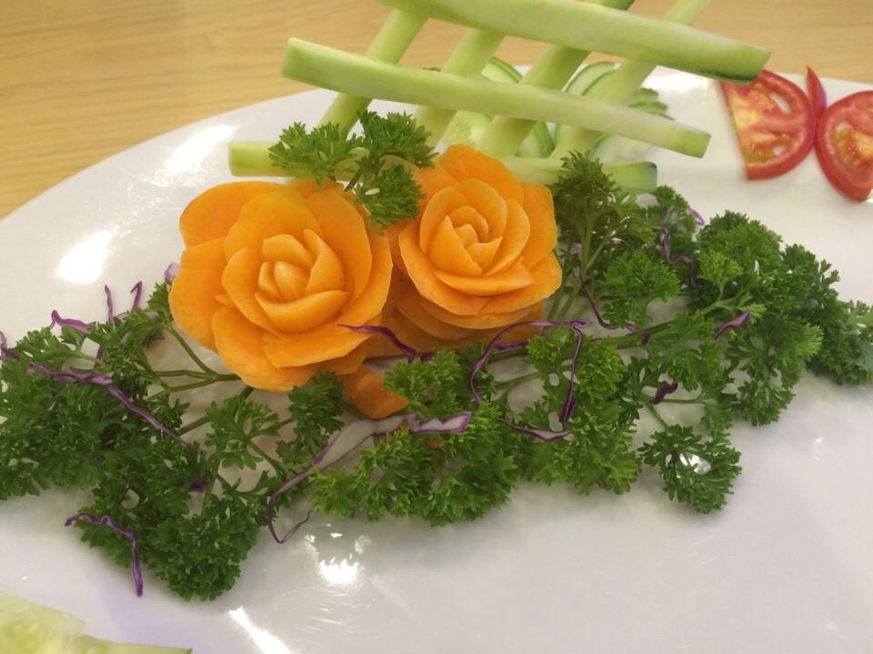 Seaba tổ chức khoá đào tạo miễn phí cắt tỉa và trang trí món ăn