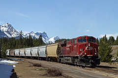 CP 306-15, CP 9377 East (Nomar Tyson-Rales) Tags: lake train sub trains louise alberta cp 306 laggan 9377 es44ac