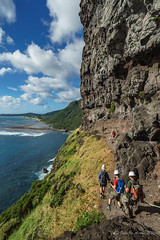 The ledge under Mt Lidgbird (NettyA) Tags: cliff australia rope hike nsw hikers day6 bushwalk unescoworldheritage lordhoweisland 2016 lhi theledge bushwalkers mtgower janetteasche lordhoweforclimate mtgowerclimb