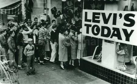 Levi's - Mách bạn mẹo mua sắm cho ngày khuyến mãi đặc biệt