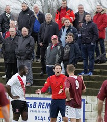 Referee Richard Murray lectures Hashim Cole & Steven Shankland as the home fans look on (Stevie Doogan) Tags: park west scotland scottish first super juniors division league holm clydebank bole maybole bankies mcbookiecom