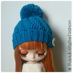 Blythe Hat Swirl  Www.etsy.com/shop/PukadoBlytheFashion  #Blythe #blythehat #OOAK #handmade #crochet #pompom #blythedoll #etsy  #pullip #blyth #Blyt #icy #jecci #cute #winter (pukadoblythefashion) Tags: winter cute handmade ooak crochet pullip blythe etsy icy blyth pompom blythedoll blythehat blyt jecci