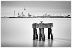 The Mooring (Simon-Leigh) Tags: thames river mono nikon filter lee gravesend vle 10stop d700