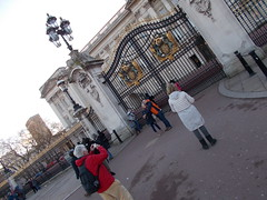 (hawx~) Tags: day gates palace metaphotography weather:sky=clear