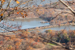 bear mountain trip (nov 2015) 21 (Doctor Casino) Tags: bridge newyork cars train hike hudsonriver causeway tankcars bearmountainstatepark