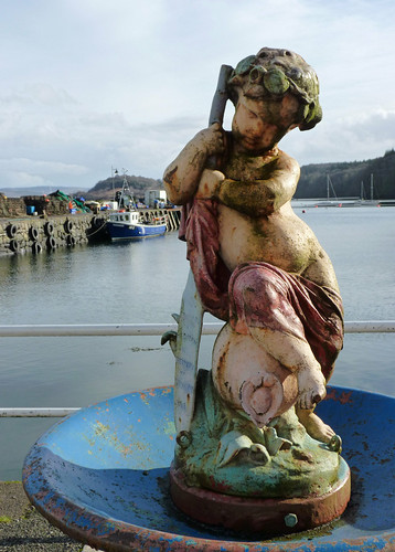 Tobermory waterfront statue
