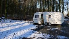 kleine Wohnwagenauslese (QQ Vespa) Tags: camping schnee winter snow vintage lost ombre trailer caravan camper wohnmobil mnsterland verlassen fendt wilk messi wohnwagen germpel knaus gerleve brstner doppelachser
