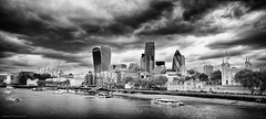 The Black City (Littlepois Photographie) Tags: city uk greatbritain blackandwhite bw london thames nikon noiretblanc nb londres angleterre ville 167 fleuve d4 royaumeuni grandebretagne lr4 littlepois nikon2470f28 silverefexpro2