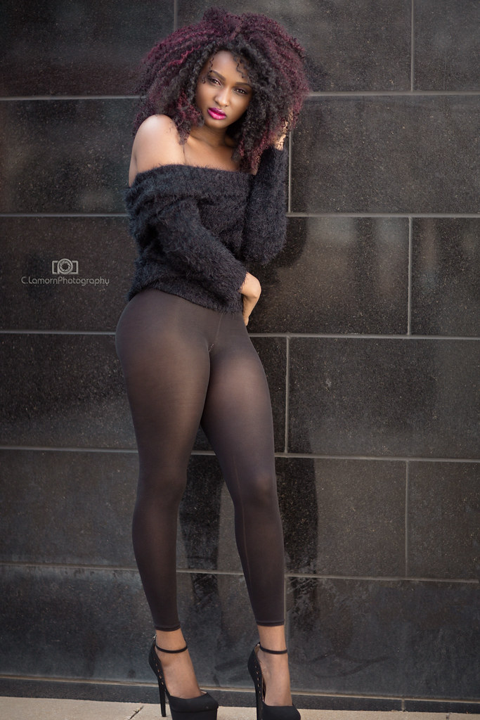 Black Booty In Leggings-7608