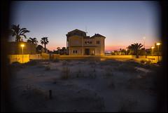 ESPERA A LA PRIMAVERA X (Alex Olea) Tags: sunset house beach atardecer casa playa murcia lamanga
