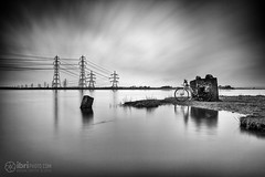 Flat (delphwynd) Tags: longexposure bicycle cycling commute friday pylons boardman riverforth ndfilter alloa theshore ndx400 alloaharbour bigstopper