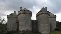 """Château de Lassay sous l'orage - photo Eric Lemée • <a style=""""font-size:0.8em;"""" href=""""http://www.flickr.com/photos/134587749@N08/25722409304/"""" target=""""_blank"""">View on Flickr</a>"""