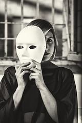 The Devil's Widow (Mathias Brea) Tags: mujer mascara virado