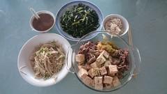 Julia's sukiyaki beef, tofu, enoki, homegrown rocket, quinoa jasmine rice (avlxyz) Tags: mushroom fb beef tofu sukiyaki rocket rucola enoki rocquet