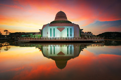 Masjid An'Nur UTP Tronoh (KembaraAlam) Tags: travel lake seascape reflection architecture sunrise canon wow landscape photography dawn scenery cityscape tranquility mosque serenity malaysia discovery masjid photohunt phototrip discover tronoh utp phototravel masjidannur singhray leefilter discovermalaysia kembaraalam malaysiaexplorer