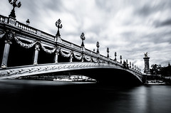 Under the bridge (Matthieu Manigold) Tags: white black paris monochrome iii pont alexandre