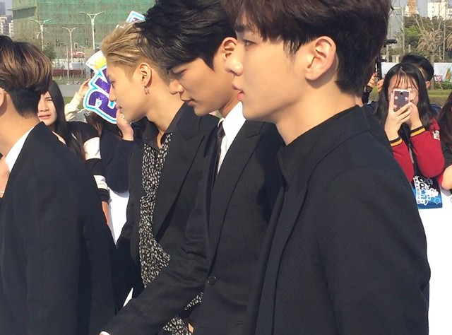 160328 ‎SHINee @ '23rd East Billboard Music Awards' 26033416782_7b2f702636_z