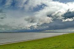 Wolken ber dem Meer - Clouds over the Sea (antje whv) Tags: clouds outdoor himmel wolke wolken ufer landschaft nordsee kste deich jadebusen