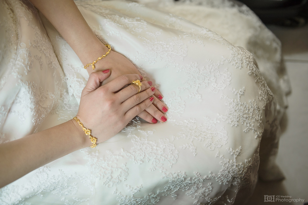 女攝影師,婚攝,婚攝冰淇,婚禮推薦,婚禮紀錄,文定結婚雙儀式,小牙