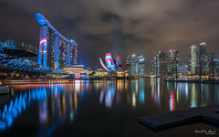 Marvels Captain America: Civil War (Leslie Hui) Tags: city singapore cityscape mbs marinabay marvelheroes marinabaysands singaporefinancialdistrict teamcap