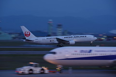 JAL JA8987 at Komatsu 20160501 (HAMA-ANNEX) Tags: airplane airport aircraft panning jal k3 kmq hdpentaxdfa70200mmf28eddcaw