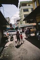 _DSC2105 (edendenden13) Tags: street leica sunlight dof bokeh background sony 28mm sarawak 28 sibu leicar sonya7 leicar28mm
